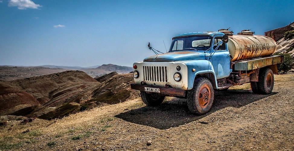 Sonhar Com Caminhão Velho
