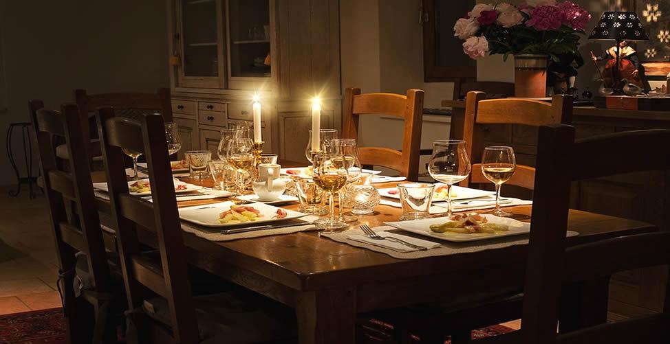 Sonhar Com Mesa de Jantar