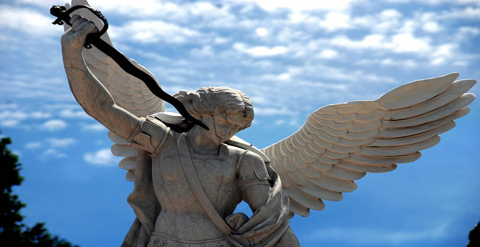 Sonhar com Anjo com espada