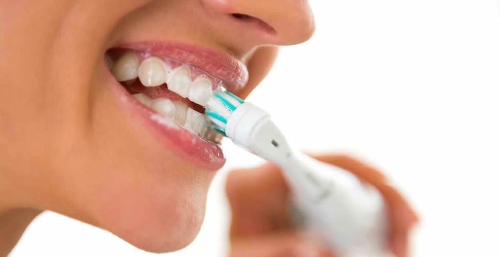 Sonhar Com Dente - Escovar