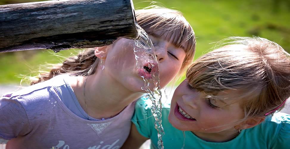 Sonhar Com Água - Bebendo