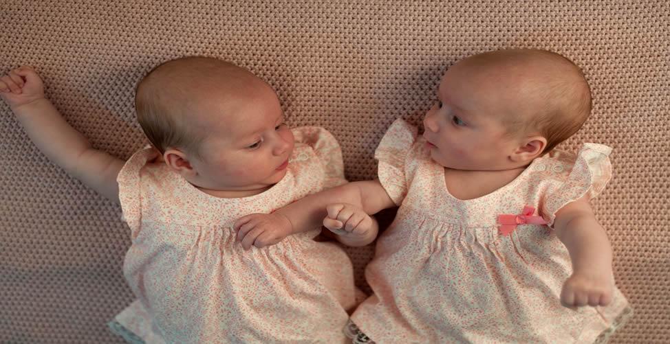 Sonhar Com Bebê Gêmeos