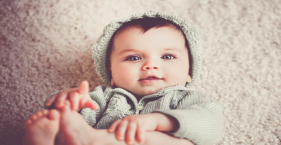 Sonhar Com Bebê de Olhos Claros