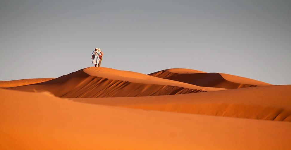 Sonhar Com Deserto e Andar Nele