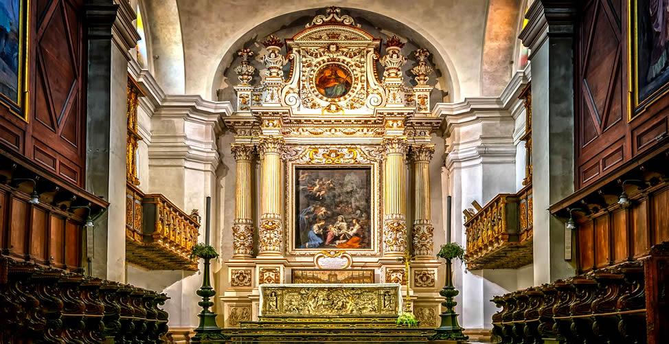 Significado de Sonhar Com Altar
