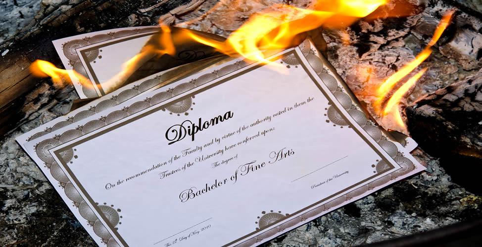 Sonhar Com Diploma Pegando Fogo