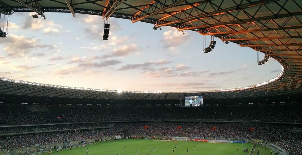 Sonhar Com Estádio e Assistir Jogo