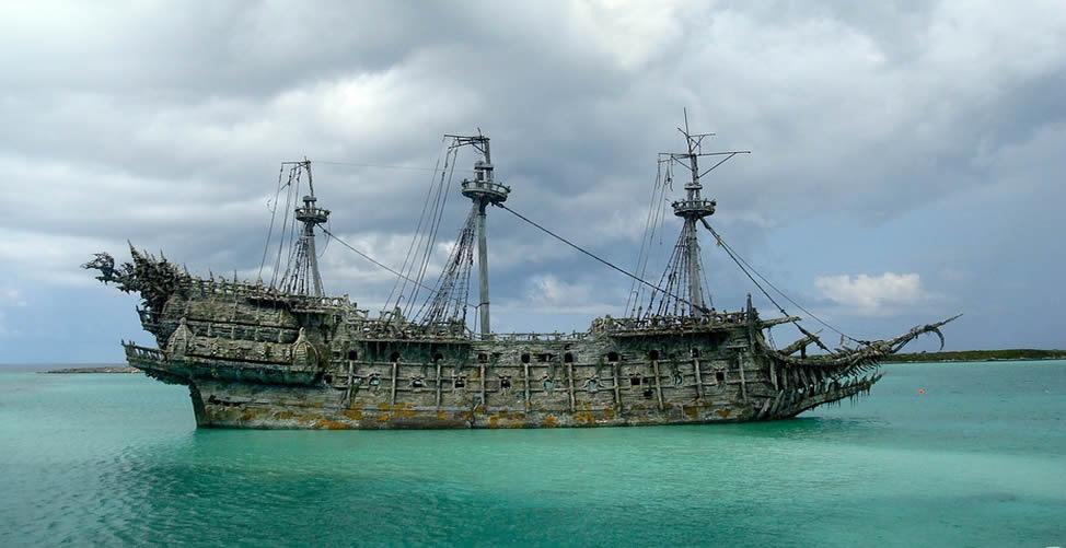 Sonhar Com Pirata - Navio
