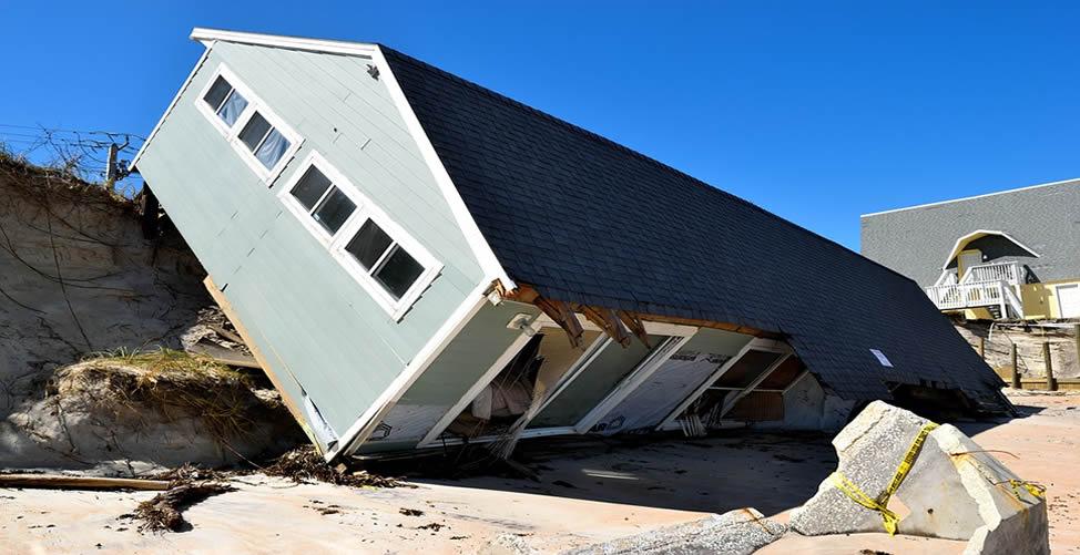 Sonhar Com Furacão - Casa Destruída