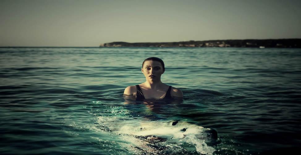 Sonhar Com Nadar de Roupa
