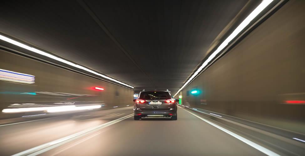 Sonhar Com Carro Dentro De Um Túnel