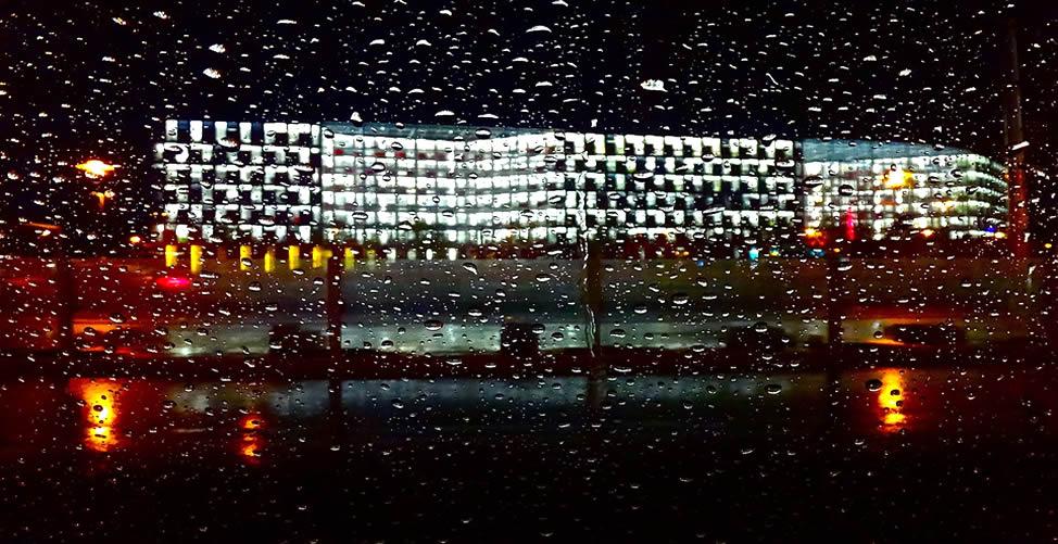 Sonhar Com Chuva Forte à Noite